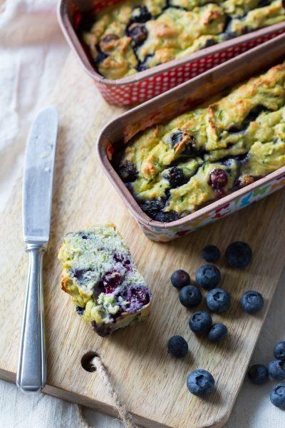 Courgettebrood met blauwe bessen