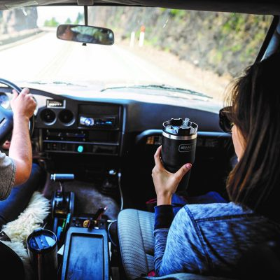 Stanley_Adventure_Quencher_Driving_LIC_U_P7A0793